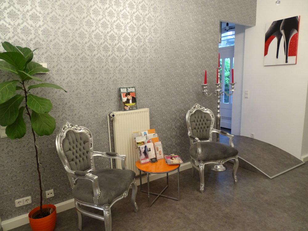 Astounding Unser Beauty Salon Home Interior And Landscaping Eliaenasavecom
